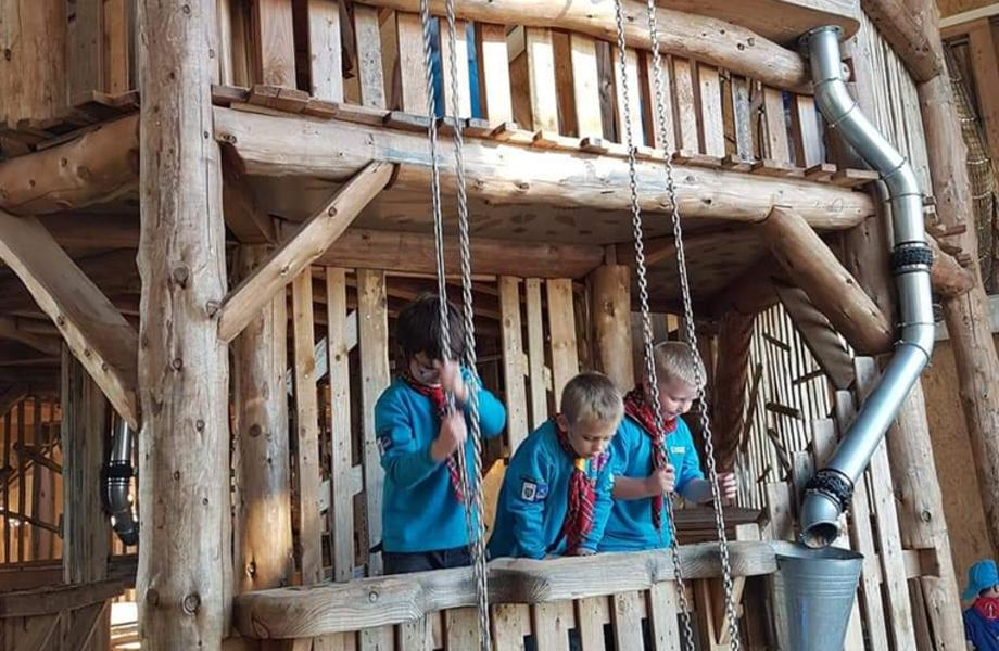 Cub Scouts are invited to a sleepover at William's Den